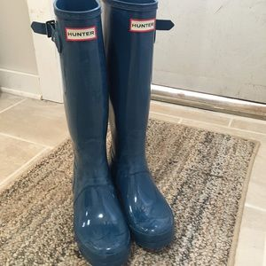 Blue glossy Hunter boots
